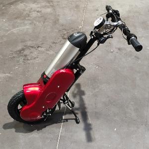 5ème roue électrique rouge pour fauteuil actif
