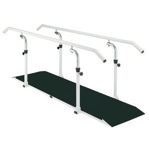 Barres parallèles de marche sur plancher epoxy